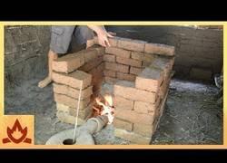 Enlace a Fabricando ladrillos de arcilla cocida desde cero de forma primitiva