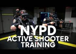 Enlace a La policía de Nueva York está usando la realidad virtual para entrenar rescates