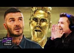 Enlace a Hacen una estatua para David Beckham y sufre como nunca al no saber que es una cámara oculta