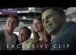 Enlace a El genial momento de Hulk con sus fans en Endgame