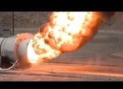 Enlace a El sonido de los propulsores de un avión a punto de arrancar