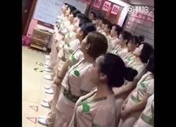 Enlace a Rutina pre-trabajo de masajistas chinas
