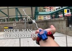 Enlace a Crea un lanzador de telarañas funcional