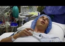 Enlace a Paciente se anestesia a sí mismo (Inyección de Propofol)