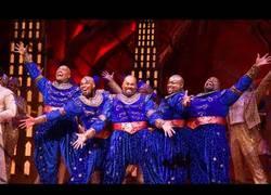 Enlace a Homenaje al 5º aniversario de Aladdin en Broadway