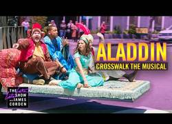 Enlace a Crosswalk el Musical: Aladdin ft. Will Smith, Naomi Scott & Mena Massoud [ENG]