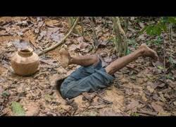 Enlace a Construyendo una casa secreta subterranea en la jungla