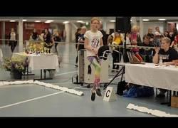 Enlace a Competición de salto de caballos (de juguete) en Finlandia