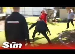 Enlace a Así se las gasta la policía en Australia