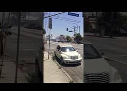 Enlace a Conduciendo un día normal en Los Ángeles