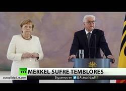 Enlace a Merkel sufre temblores en un acto público por segunda vez en 10 días
