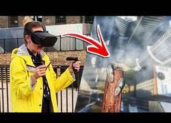 Enlace a Turistas en Londres prueban ''Richie's Plank Experience'' en Oculus