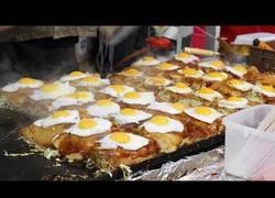Enlace a ASMR ''street food'' japonés, okonomiyaki