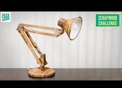Enlace a ASMR - Construyendo una lámpara articulada funcional desde cero