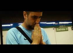 Enlace a Rapero madrileño hace un tema con las estaciones de metro