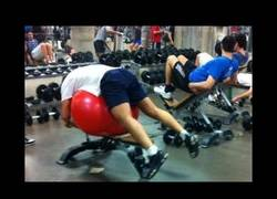 Enlace a STUPID PEOPLE IN GYM | Workout Fail Compilation Pt.2