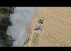 Enlace a Un granjero se la juega mucho para intentar salvar su granja