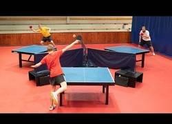 Enlace a Ping pong al estilo triangulo