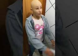 Enlace a Un delincuente brasileño trata de escaparse de la cárcel disfrazado de su hija