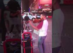 Enlace a Cuando un neoyorquino escucha un violín