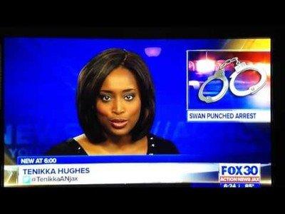 Presentador de noticias en Florida es pillado por la cámara haciendo el imbecil