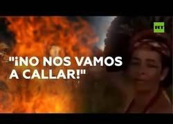 Enlace a Una indígena llama que se ponga fin a la destrucción de la Amazonía