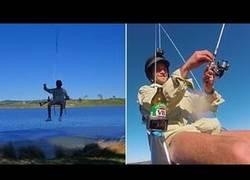 Enlace a Un tío se fabrica su propio dron para pescar desde el aire