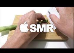Enlace a Fabricando un cuchillo afilado con la tarjeta de Apple