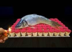 Enlace a Consigue cocinar un pescado con sus experimentos de cerillas