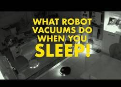 Enlace a Lo que traman las roombas cuando estás durmiendo