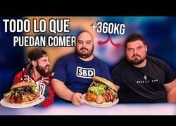 Enlace a Retando a comer a los dos hombres más fuertes de España