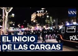Enlace a Así empezaron las cargas de la Policía Nacional en Barcelona