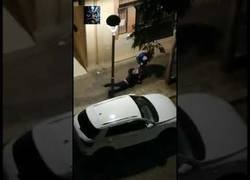 Enlace a Una mujer es arrastrada y golpeada para quitarle el bolso en Tarragona