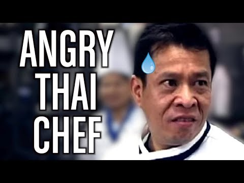 Doblando al cocinero loco tailandés