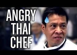 Enlace a Doblando al cocinero loco tailandés