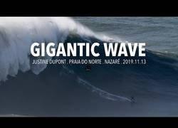 Enlace a Justine Dupont surfe la que podría ser la ola más grande de la historia del surf femenino