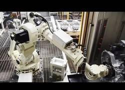 Enlace a Así ayudan los robots en la producción de materiales