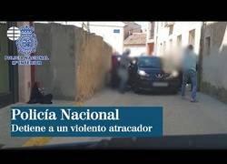 Enlace a El momento en el que la Policía Nacional detiene a una banda de atracadores