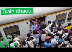 Enlace a Así es coger el tren en la India