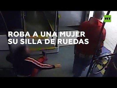 Un hombre es detenido tras robarle la silla de ruedas a una mujer