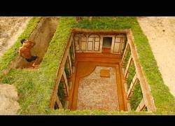 Enlace a Construyendo una gran piscina subterránea clásica de templo