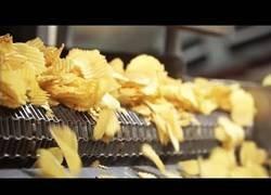 Enlace a Así se hacen las patatas fritas de bolsa de manera industrial