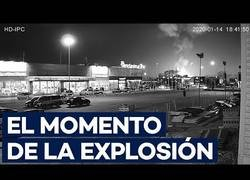 Enlace a Momento exacto de la explosión de la petroquímica de Tarragona