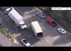 Enlace a Increíble persecución polición a un camión en Los Ángeles