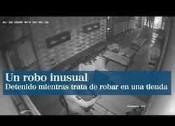 Enlace a Un ladrón se toma su tiempo para robar en una tienda de Castellón