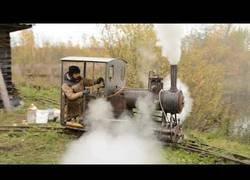 Enlace a Construye una mini locomotora a vapor totalmente funcional