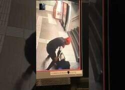 Enlace a Brutal agresión en un robo en el metro de Barcelona