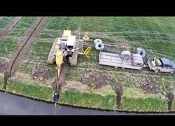 Enlace a Así se instalan los sistemas de drenaje en los campos