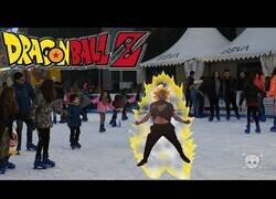 Enlace a Cámara Oculta: ¿Cómo actuaría Goku en la vida real?