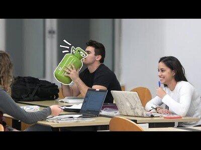 Hablando con helio en una biblioteca